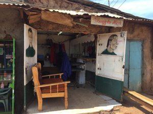 Frisör Nairobi Kenia Einsatz Projekt