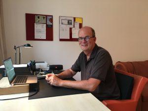 Manager ohne Grenzen Helmut Hütter bei der Online-Beratung