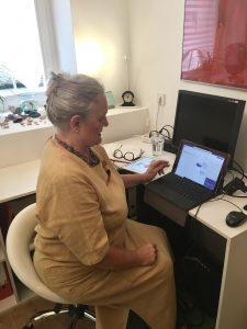 Auch mit dem Tablet lässt sich die Online-Beratung komfortabel gestalten